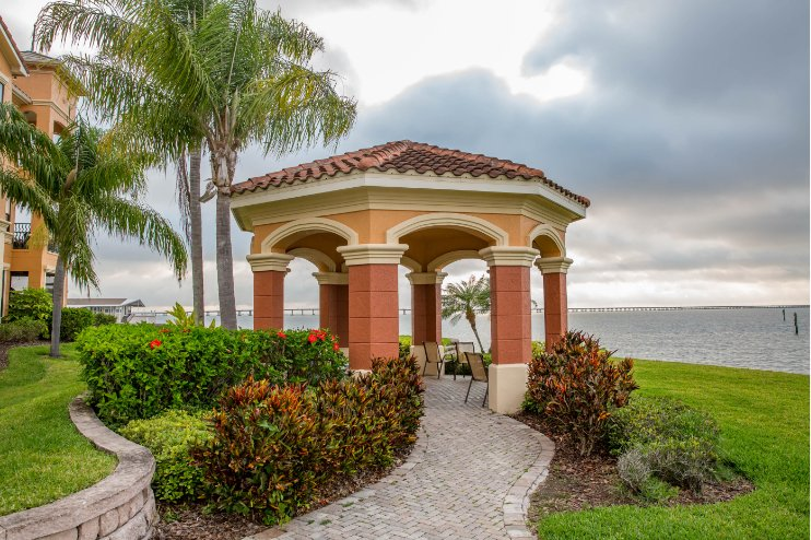 Bellagio Clubhouse Clearwater Florida Commercial Landscaping Photo