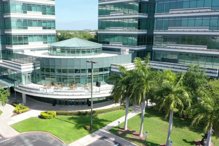 Commercial Landscaping at Tampa, FL Business